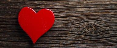 Coeur rouge rustique images stock
