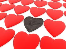 Coeur rouillé en métal parmi les coeurs rouges illustration stock