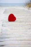 Coeur sur la route vers la mer Images libres de droits