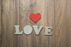 Coeur sur la table en bois Image stock