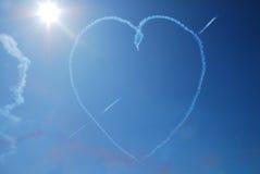 Coeur sur le ciel bleu Images libres de droits