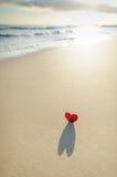 Coeur sur le rivage 1 Image stock