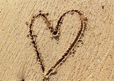 Coeur sur le sable photos libres de droits