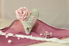 Coeur tricoté, Valentine, métiers Images stock
