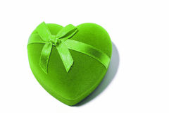 Coeur vert de cadeau avec le noeud papillon Photos stock