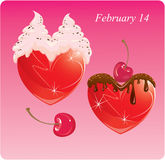 Coeurs avec du chocolat et la crème. Image libre de droits
