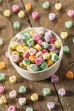 Coeurs colorés de conversation de sucrerie Images stock