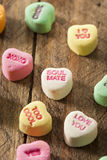Coeurs colorés de conversation de sucrerie Photos stock
