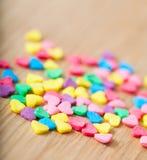 Coeurs colorés doux de sucrerie Photos stock