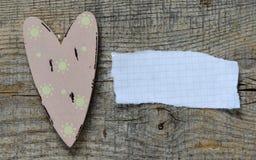 Coeurs décoratifs avec la feuille de papier Image libre de droits