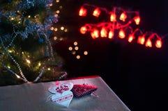 Coeurs, décorations et lumières de Noël, Joyeux Noël image libre de droits