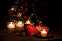 Coeurs, décorations et lumières de Noël, Joyeux Noël photographie stock libre de droits