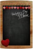 Coeurs d'amour de tissu de tableau de menu de Saint-Valentin accrochant sur l'OE Photos libres de droits