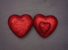 Coeurs d'amour disposés comme un groupe de famille Photographie stock