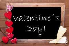 Coeurs de Chalkbord, rouges et jaunes, jour de valentines des textes Photo libre de droits