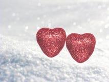 Coeurs de concept de vacances d'amour de jour du ` s de Valentine sur le backg blanc brillant Photographie stock libre de droits