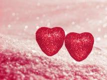 Coeurs de concept de vacances d'amour de jour du ` s de Valentine sur le backg blanc brillant Photos stock