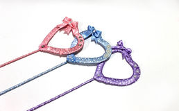 Coeurs de fait main multicolore de rubans de satin Images stock