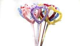 Coeurs de fait main multicolore de rubans de satin Images libres de droits