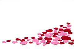 Coeurs de feutre de rouge et de rose d'isolement sur un fond blanc - valentines, amour Images libres de droits
