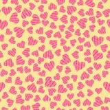 Coeurs de griffonnage de couleur sur le fond jaune images libres de droits