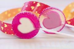 coeurs de lolipop avec un ruban Photos libres de droits