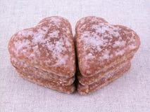 Coeurs de pain d'épice image stock