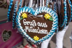 Coeurs de pain d'épice chez Theresienwiese à Munich, Allemagne, 2015 Photo stock