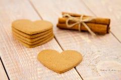 Coeurs de pain d'épice de Saint-Valentin Image libre de droits