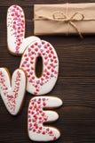 Coeurs de pains d'épice et petites boîtes pour le jour de valentines Photo libre de droits