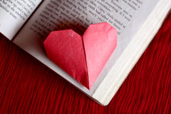 Coeurs de papier d'origami Images stock