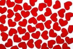 Coeurs de papier sur le papier Photo stock