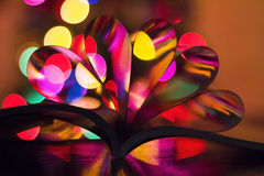 Coeurs des pages de livre Image stock