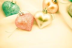 Coeurs doux de couleur pour le fond romantique Image libre de droits