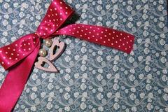 Coeurs en bois de rose de symbole de jour du ` s de Valentine Photo stock