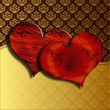 Coeurs en bois de Valentine sur la damassé Photo stock