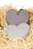 Coeurs en bois gris d'amour avec l'espace de copie Image stock