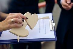 Coeurs en bois percés Image libre de droits
