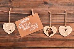Coeurs en bois sur la corde Photos libres de droits