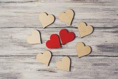 Coeurs et autre de couples de concept de thème de jour de valentines sur Grey Bac Photos libres de droits