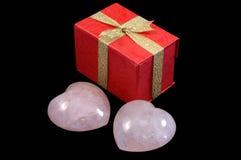 Coeurs et cadre de cadeau lapidés Photo stock