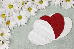Coeurs et fleurs de jour de valentines Photos stock