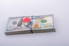 Coeurs et paquet rouges de dollar US Image libre de droits