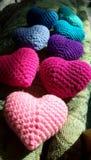 Coeurs faits main colorés Photos libres de droits