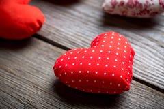 Coeurs faits main pour le jour de valentines de St Images libres de droits