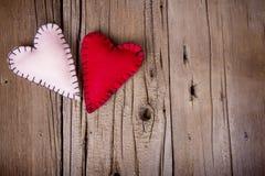 Coeurs faits maison de feutre Photo stock