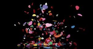Coeurs pour la partie de Saint-Valentin éclatant sur le fond noir, mouvement lent banque de vidéos