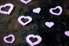 Coeurs pourpres de jour du ` s de Valentine Photo stock