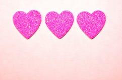 Coeurs roses de scintillement pour la Saint-Valentin Photographie stock libre de droits