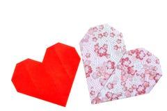 Coeurs roses et rouges mignons d'amour faits de papier japonais traditionnel d'origami Photographie stock